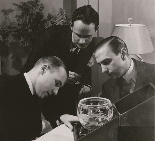 Houghton, Gates and Waugh inspecting a Gazelle Bowl